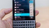 BlackBerry Q10: sự trở lại của bàn phím QWERTY vật lý